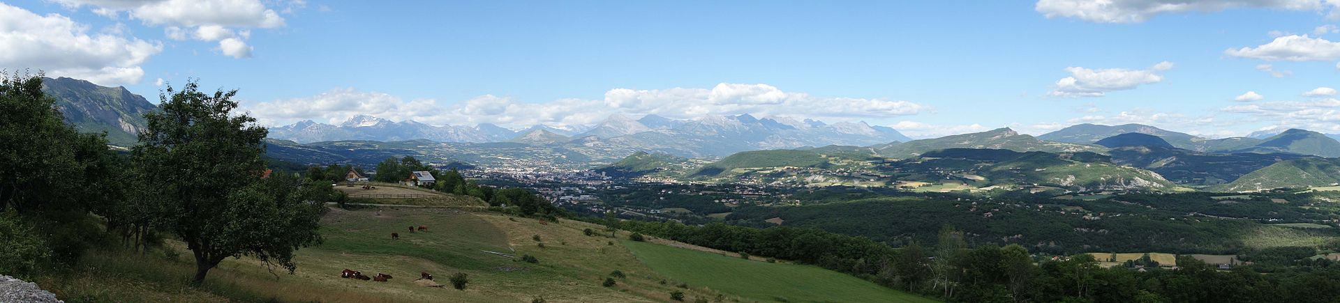 Vue panoramique du bassin gapençais, photo Wikipédia