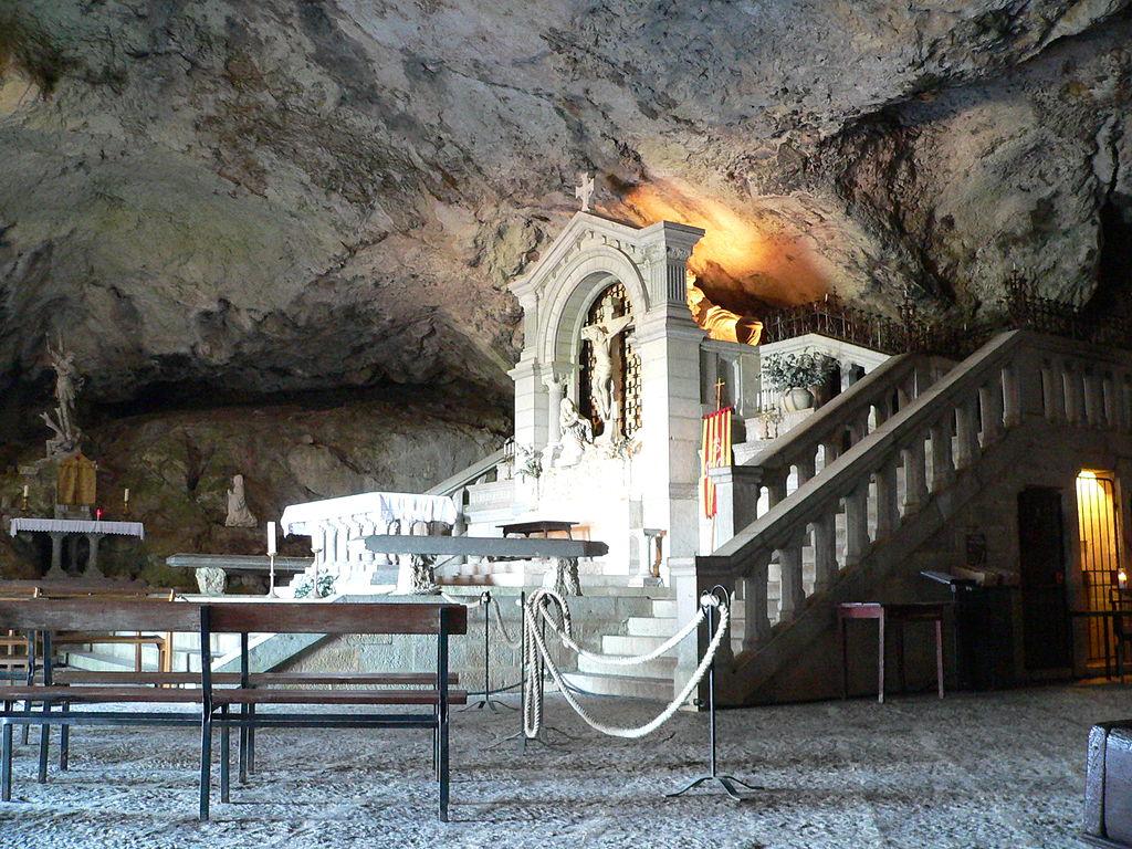 643, 643, Grotte de la Sainte Baume, photo Wikipédia, grotte-sainte-baume.jpg, 224816, https://www.gtahandicalpes.fr/wp-content/uploads/2018/10/grotte-sainte-baume.jpg, https://www.gtahandicalpes.fr/la-sainte-baume/grotte-sainte-baume/, Grotte de la Sainte Baume, photo Wikipédia, 1, , , grotte-sainte-baume, inherit, 642, 2018-10-23 10:37:40, 2018-10-23 10:38:02, 0, image/jpeg, image, jpeg, https://www.gtahandicalpes.fr/wp-includes/images/media/default.png, 1024, 768, Array
